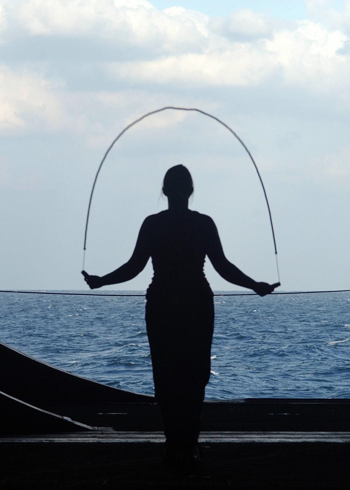 5 raisons pour lesquelles la corde à sauter est un excellent moyen pour perdre du poids