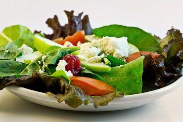 Une règle simple que l'on oublie souvent : prendre trois repas par jour