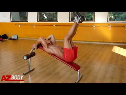 Le guide pour réaliser correctement les relevés de jambes sur banc incliné